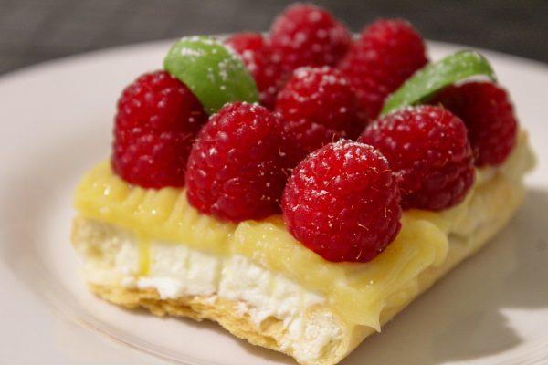 Torta de limão e framboesa